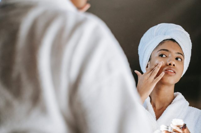 Naturalny krem do twarzy – jaki powinien być?